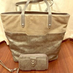 Metallic Silver Tote with wallet